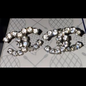 ✨⭐️CHANEL AUTHENTIC LOGO CRYSTAL EARRINGS✨🌟
